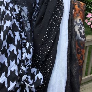 Accessories - ⭐️ Set of 10 infinity scarves